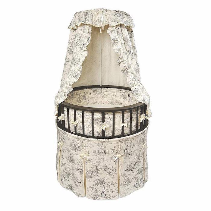 Round Baby Crib Old Fashion Style